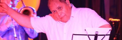 Latin Salsero Roberto Pla